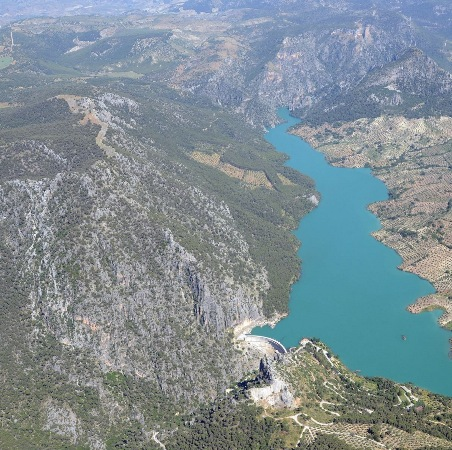 Vista aérea del embalse de Quiebrajano